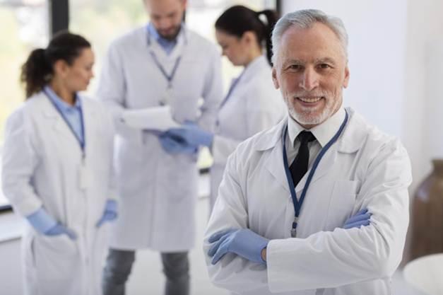 Top 9 kỹ năng quản lý cần có để trở thành một trưởng phòng thí nghiệm